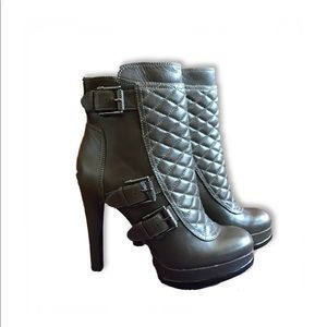 NWT Nine West Dark Grey Quilted Leather Ankle Boot